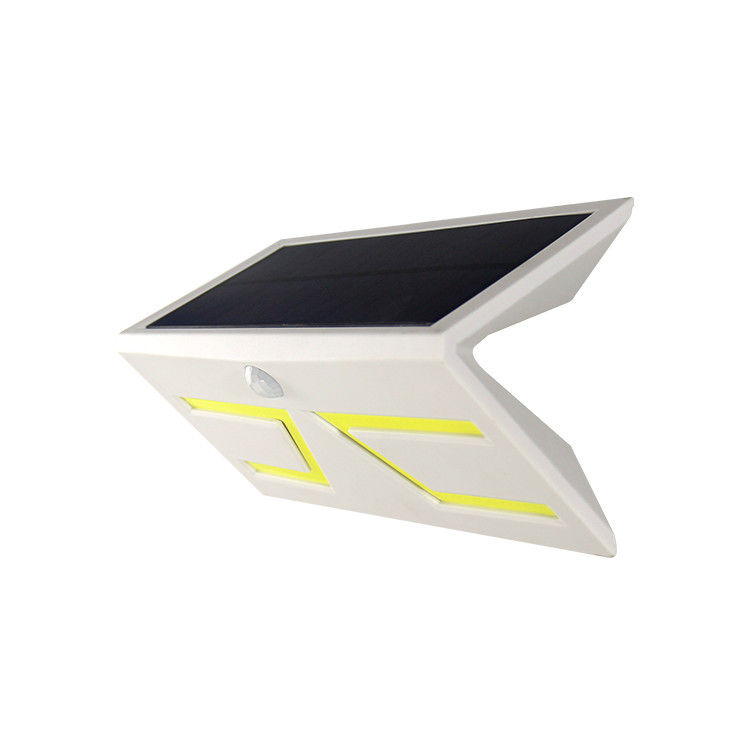 Modern IP65 V Style Solar Powered PIR Outdoor Lights Lamp 6-8hrs Charging Time